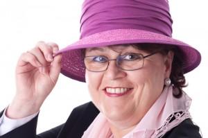 Angelika Albrecht trägt jeden Tag Hutauf den Spuren der Hüte