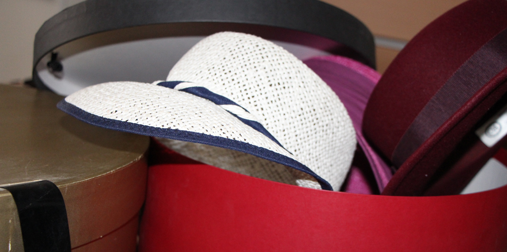 Wohin mit den Hüten? Video mit Tipps zur Aufbewahrung.